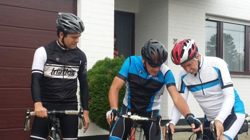 Jean-Pierre shows me how to operate his new Canyon.