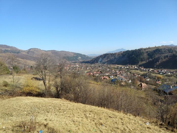 At a turnoff near Bran, the view of the valley below was majestic