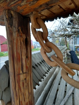 Chains are carved from larger boards to adorn the gates.